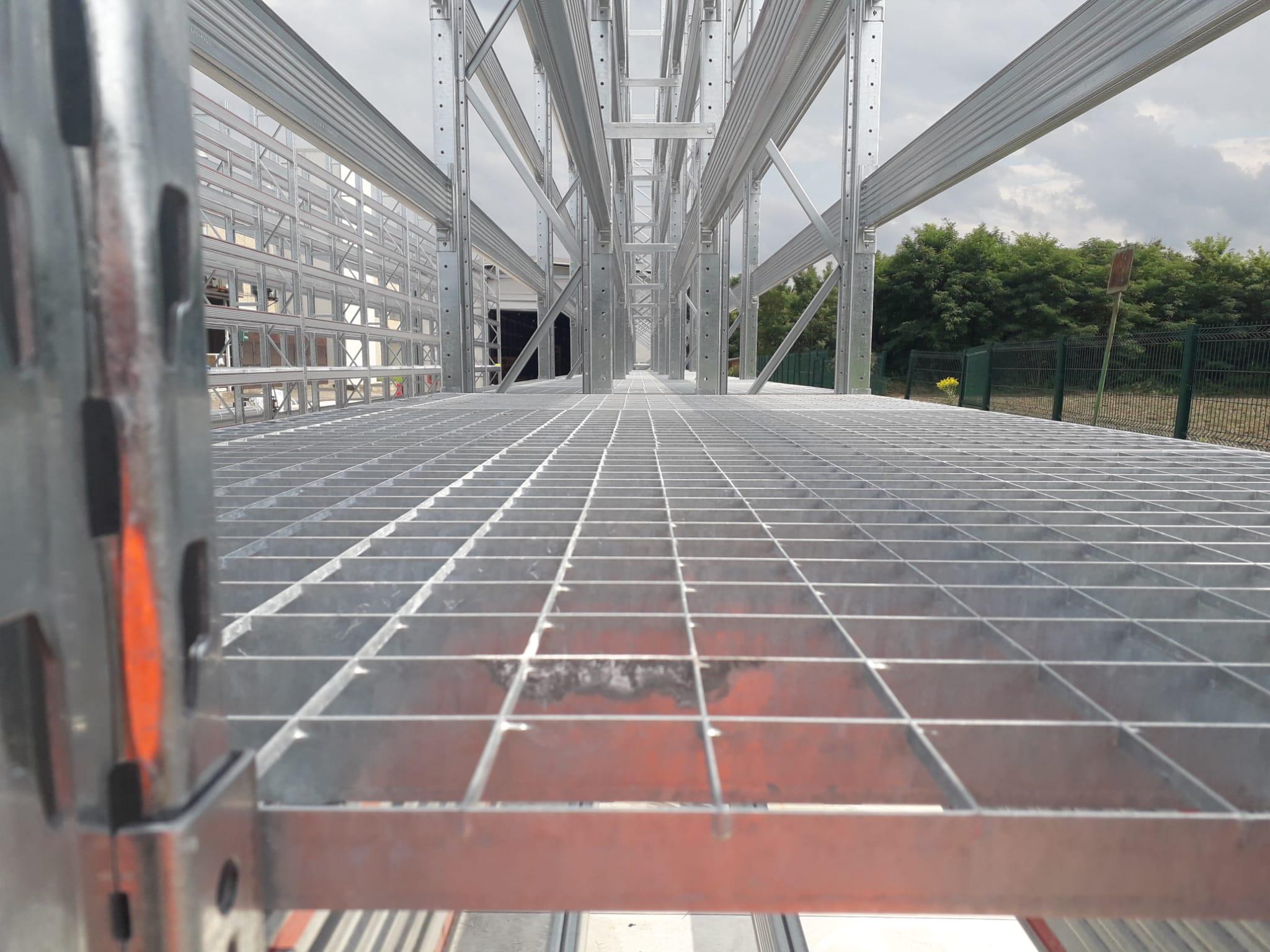 Piani in grigliato per la realizzazione di piani di copertura per scaffali portapallet